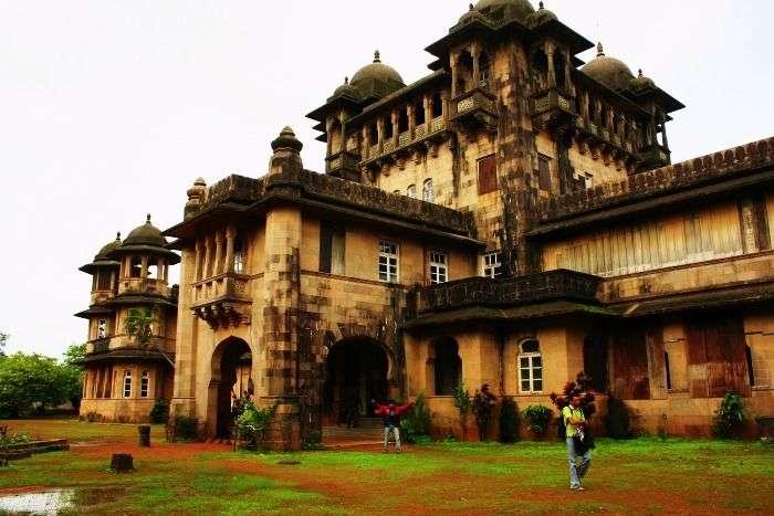 Jai vilas Palace at Jawhar