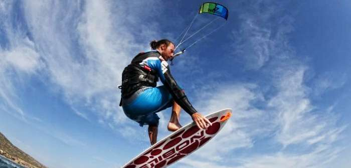 Kite surfing - try this thrilling adventure in Goa