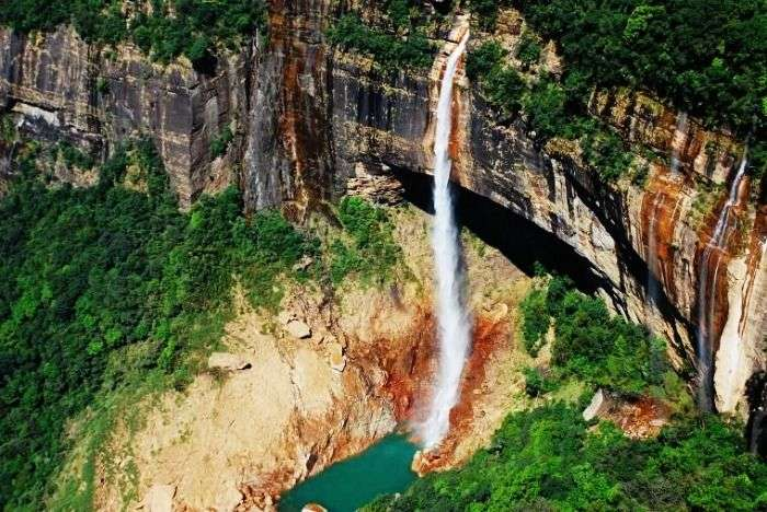 The highest waterfall in India, Nohkalikai Falls in Cherrapunji