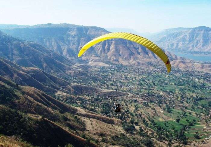 Paragliding in the majestic valley of Panchgani