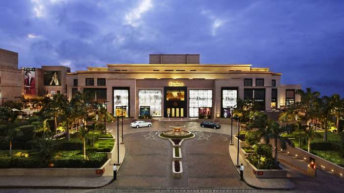One of the most luxurious malls of Delhi - DLF Emporio