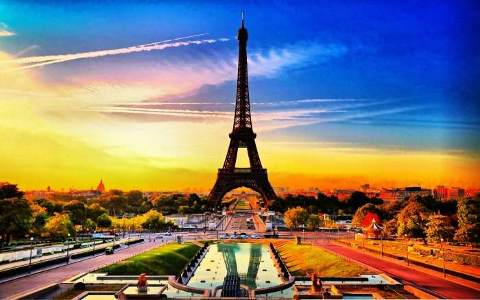 The view of Eiffel tower of Paris at sunset