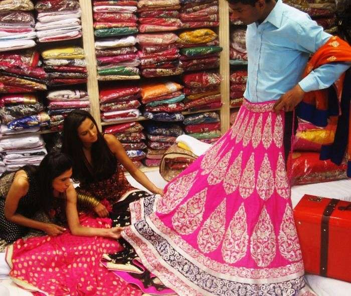 Girls Wedding shopping in Chandni Chowk, Delhi