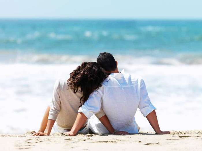 A couple enjoying a wonderful time at a Mauritius beach