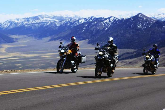 Bikers on way to Leh