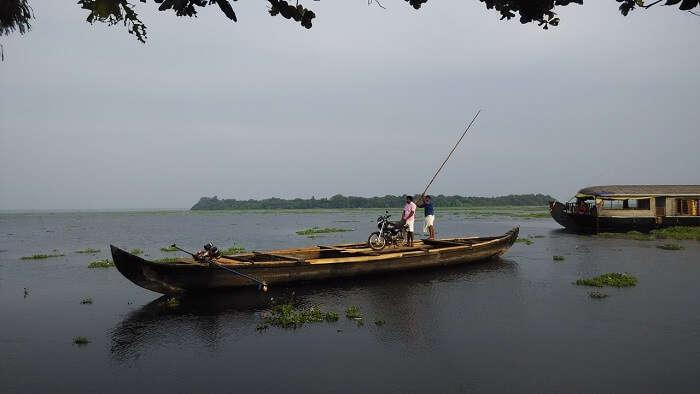 Pathiramanal boat ride