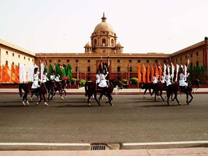 Parade in the powerhouse of Delhi - Rashtrapati Bhavan