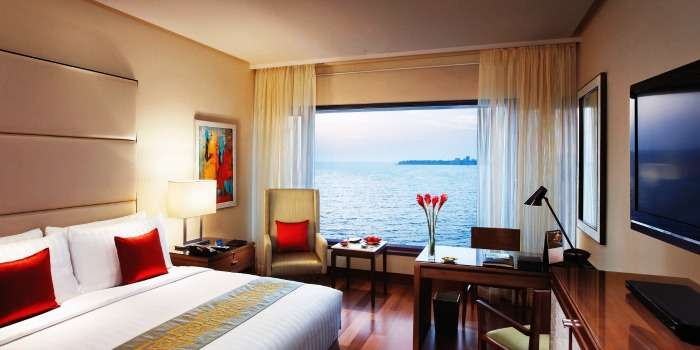 The Oberoi Mumbai for a luxurious experience