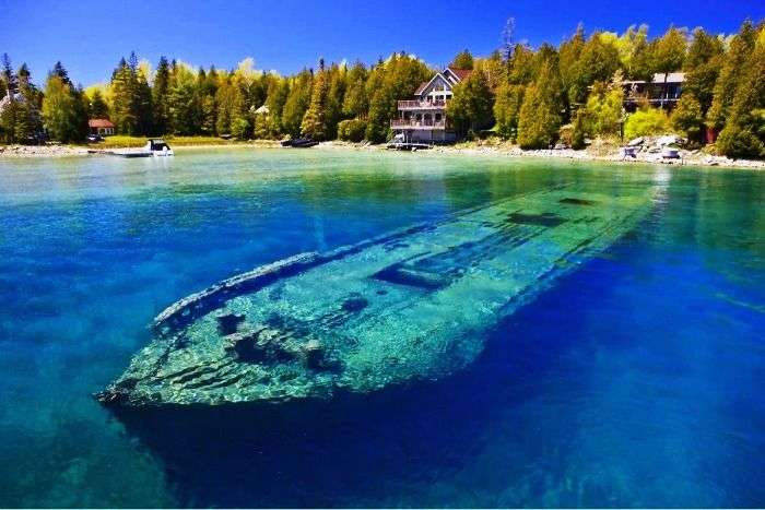 Shipwreck in the waters of Tobermory in Canada