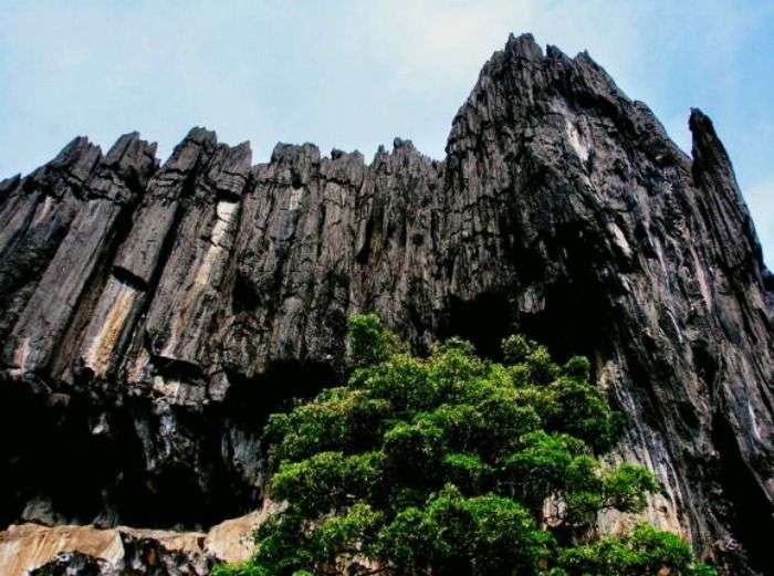Yana is best known for amazing cave & rock formations