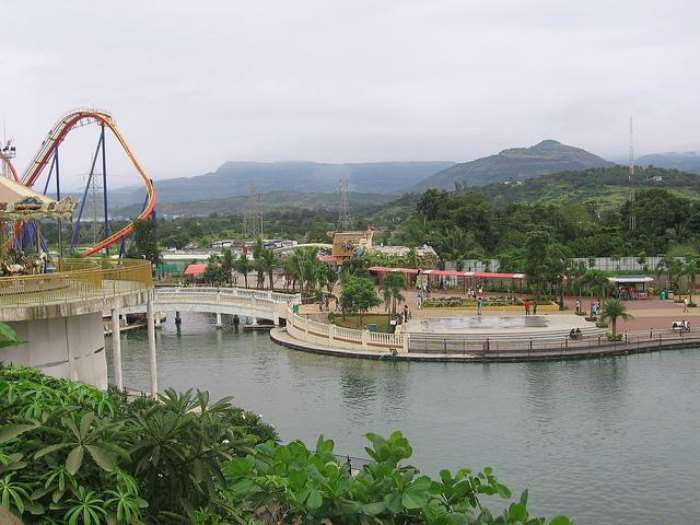 Adlabs Imagica is a perfect <strong>one day picnic spot near Pune</strong> for family