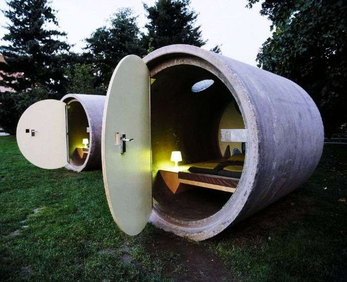 Sleep in a sewage pipe at Das Park Hotel in Ottensheim, Austria