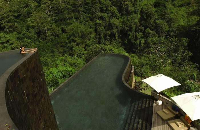 Infinity pool at Ubud Hanging Gardens, Bali