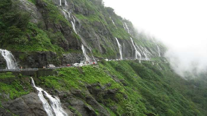 Malshej Ghat has green hills, romantic weather to stay connected with the nature.