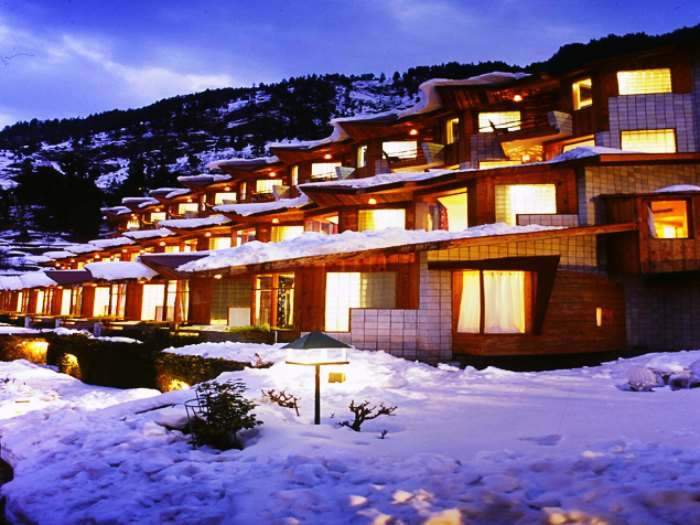 Manu Allaya is one of the most romantic resorts in Manali for honeymoon