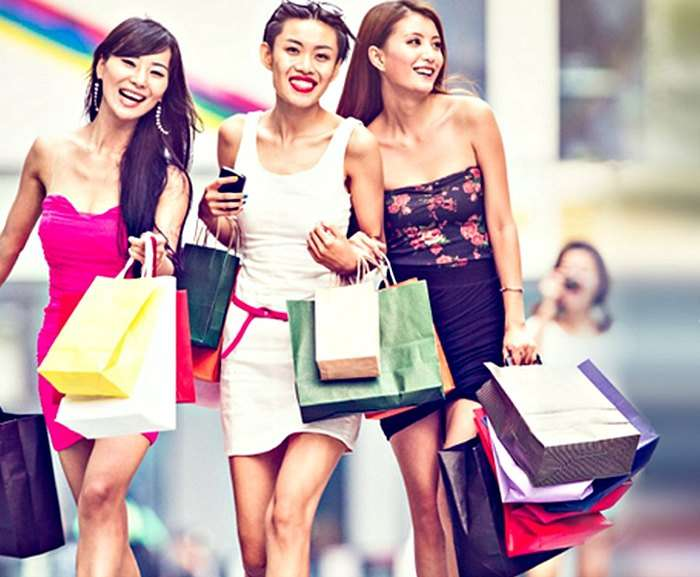 Orchard Road - a perfect destination to Shop in Singapore