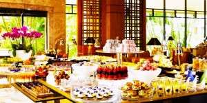 Taste delicacies from Asian countries at the grand buffets in Singapore