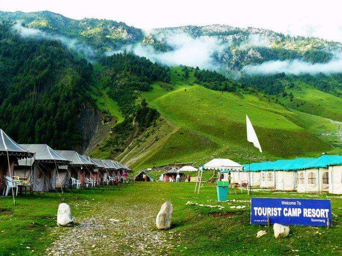 The picturesque Sonmarg is one of the best places to visit in Kashmir in Summer