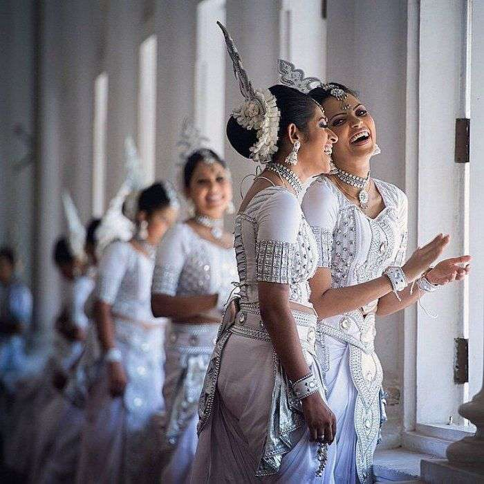 Sri-Lankan-traditional-dress