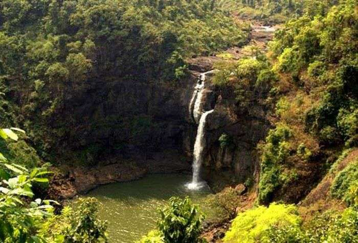 Thane offers the picturesque view of the magnificent Dabhosa Waterfall