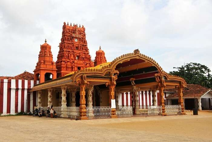 famous temple in Sri Lankan city