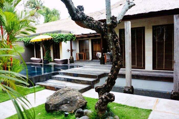 The front porch of Jamahal Private Resort & Spa