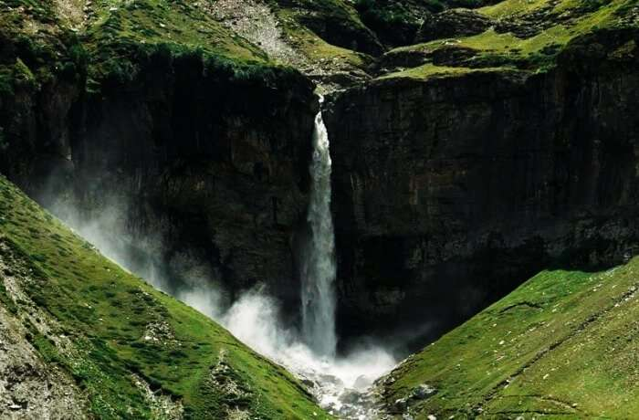 Sissu falls are the most picturesque falls on the Manali-Leh Highway