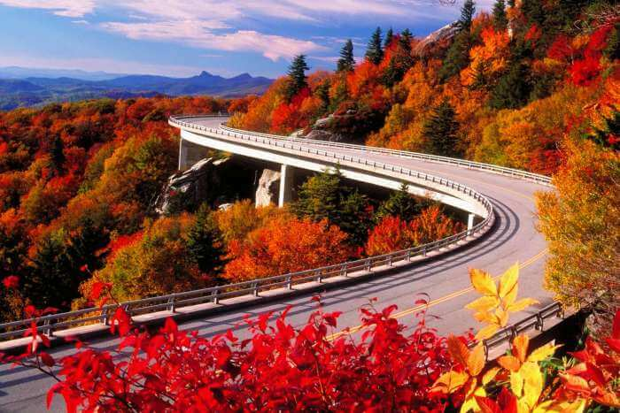 Autumn view of the Blue Ridge Parkway, US