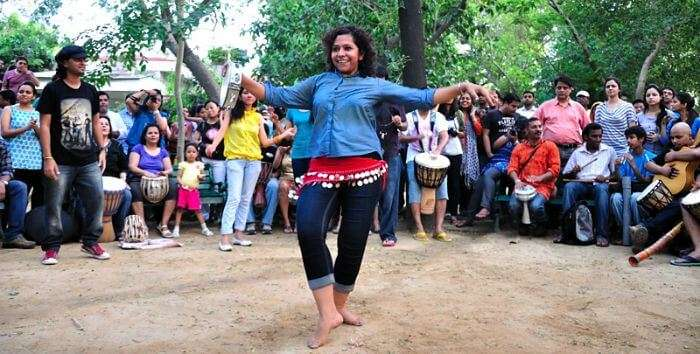 People rejoicing at Delhi Drum Circle, one of the most fun places to visit in Delhi