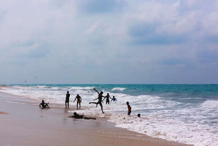 People enjoying in the Dhanushkodi Beach