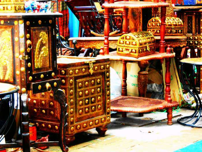 Handicraft stalls in Dilli Haat