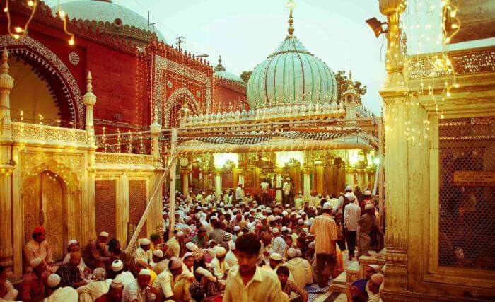 Hazrat Nizam-ud-din Dargah in Delhi