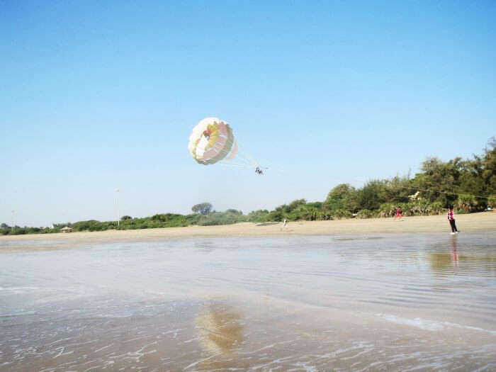 Parasailing in Jampore Beach in Daman