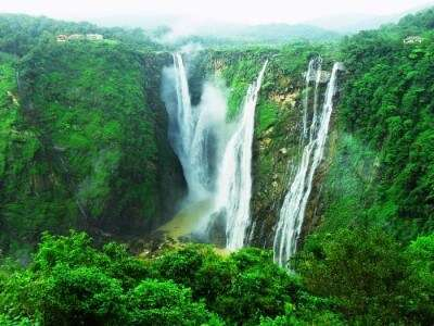 Jog falls are the majestic and one of the most popular waterfalls near Bangalore & in India