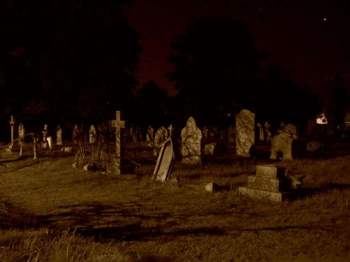 The hauntingly eerie night at Lothian Cemetery