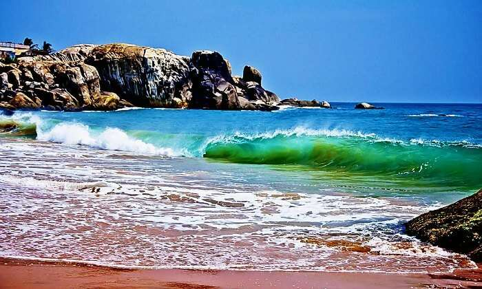 The gushing waves of the indian Ocean in Muttom Beach in Kanyakumari