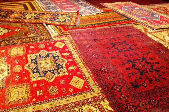 The rug market of Ottomania