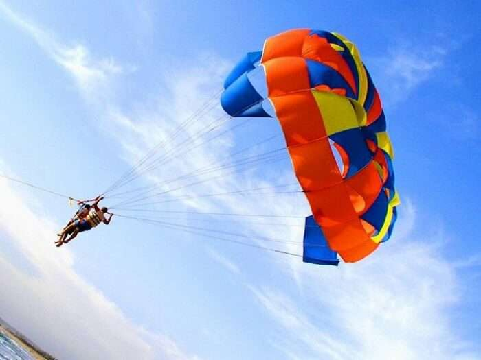 Indulge in parasailing in Goa for an amazing experience