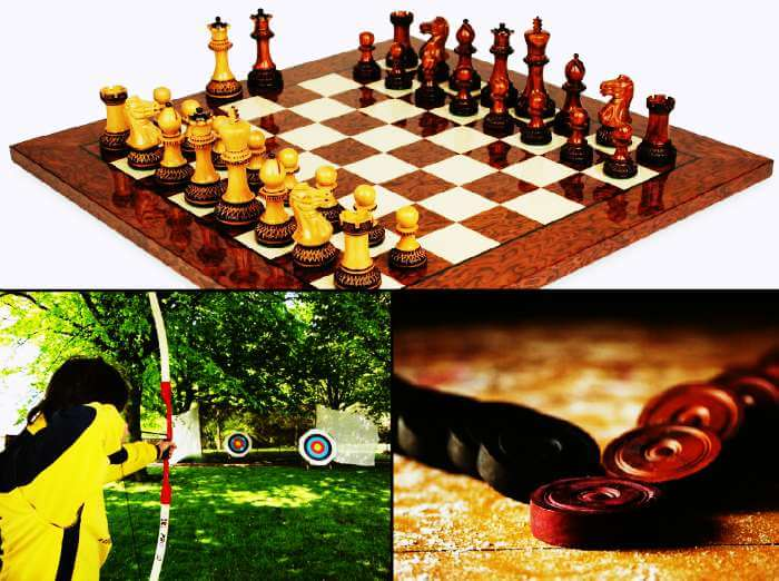 You can play chess, carrom, volleyball and many other games in Kasol.