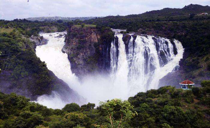 A picturesque view of Shivanasamudra Waterfalls