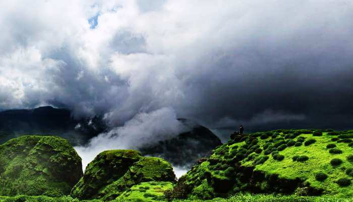 Trek to the majestic Sindola fort during monsoon for gorgeous views