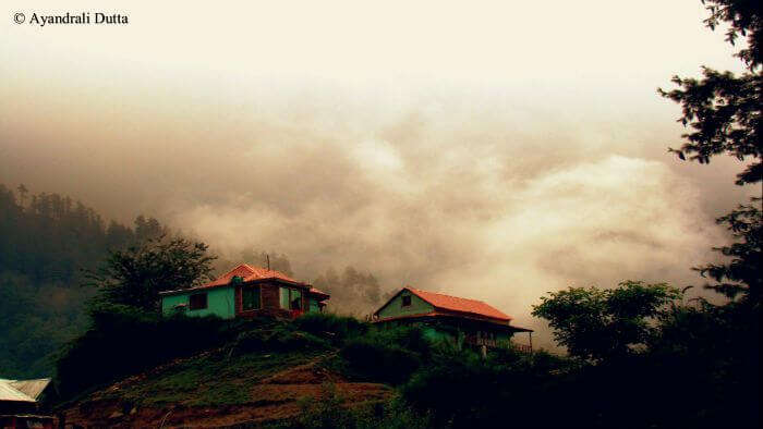 A cloudy morning in Tosh village in Kasol.