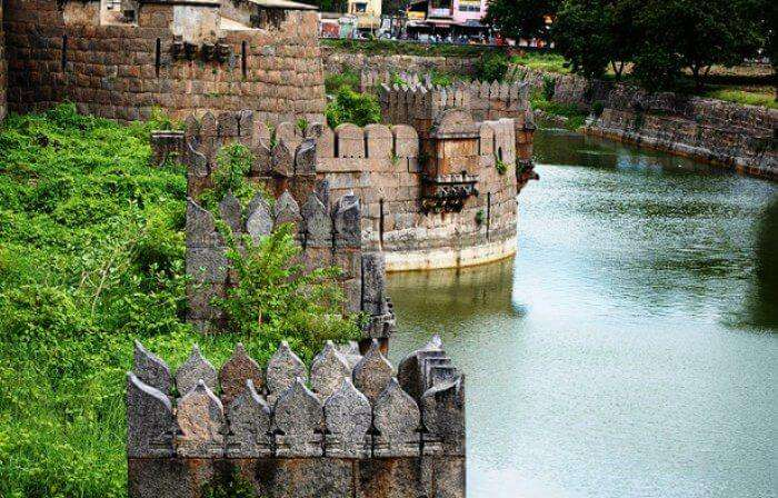 Visit the beautiful Vellore fort near Chennai