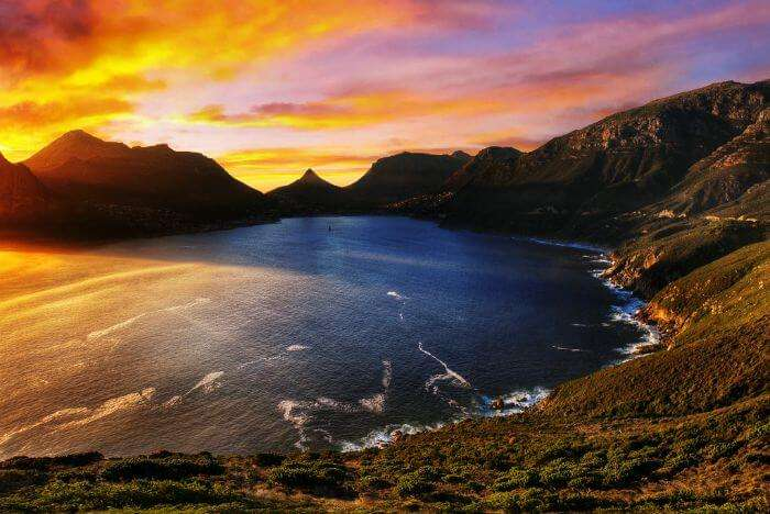 A surreal sunset in Cape Town, South Africa–the best holiday destination in South Africa