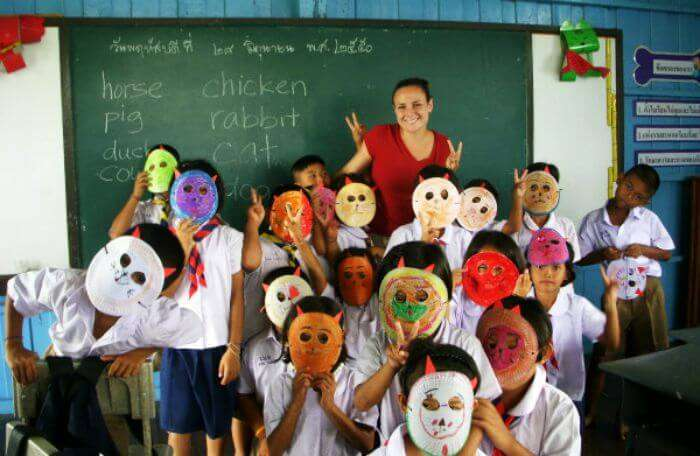 Travelling around the world for free by being an English teacher