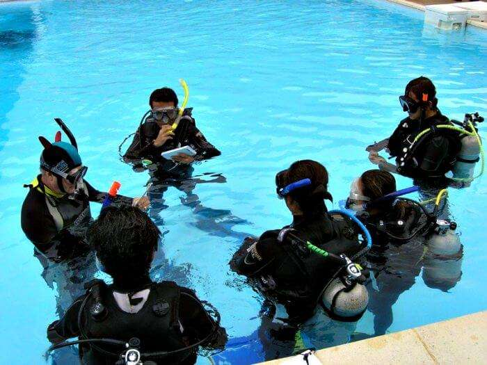 Scuba Diving instructor- how to travel the world for free