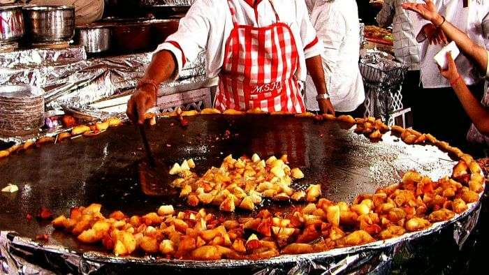 The best street food of Delhi — Aloo Chaat