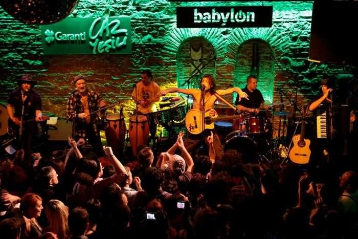 Live performance at Babylon bar