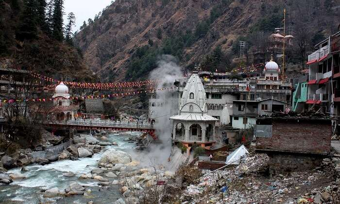 Hot water springs at Manikaran in Himachal Pradesh