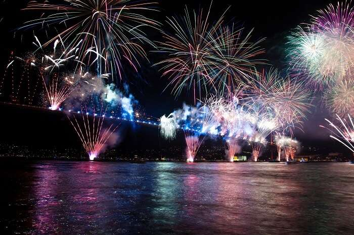 New Year celebrations at the Bosphorous Bridge